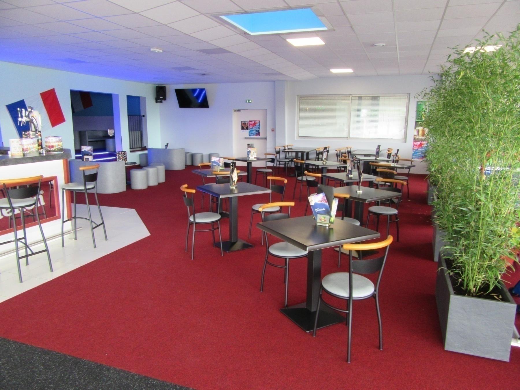 Bowling de Cognac : Un espace bar lounge